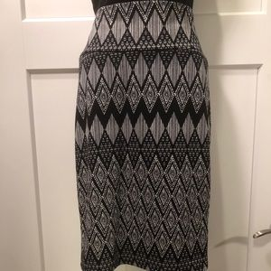 LuLaRoe Black & White Printed Pencil Skirt